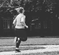 black-white-jogging_4460x4460.jpg